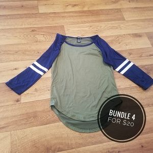 👻Rue21 Green/Blue Baseball Tee, XS👻